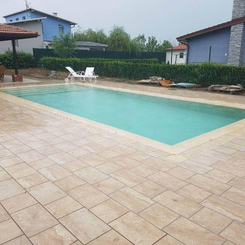 """Строителство на басейн и къща за гости в жилищен комплекс """"Терес"""""""
